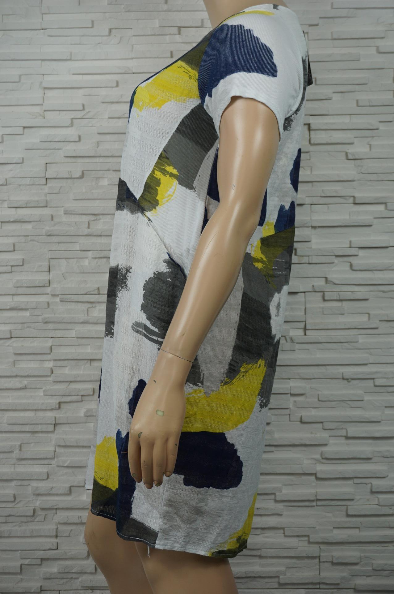 Robe 3/4 coton, cintrée, imprimé militaire.