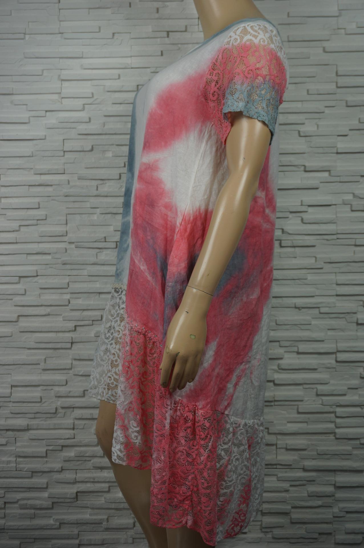 Robe longue lin tie and dye à volants en dentelles.