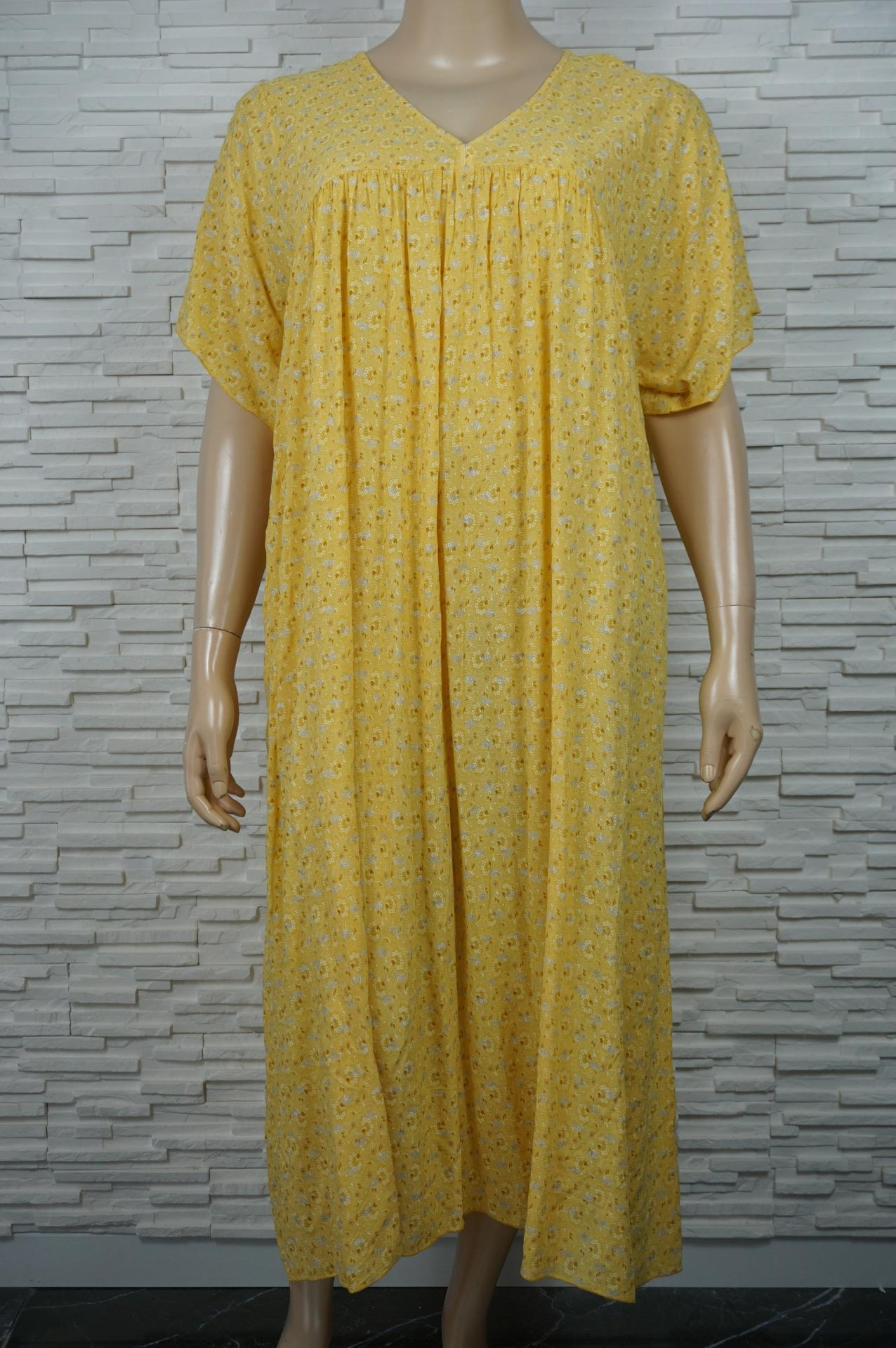 Robe longue bohême imprimé floral doré.