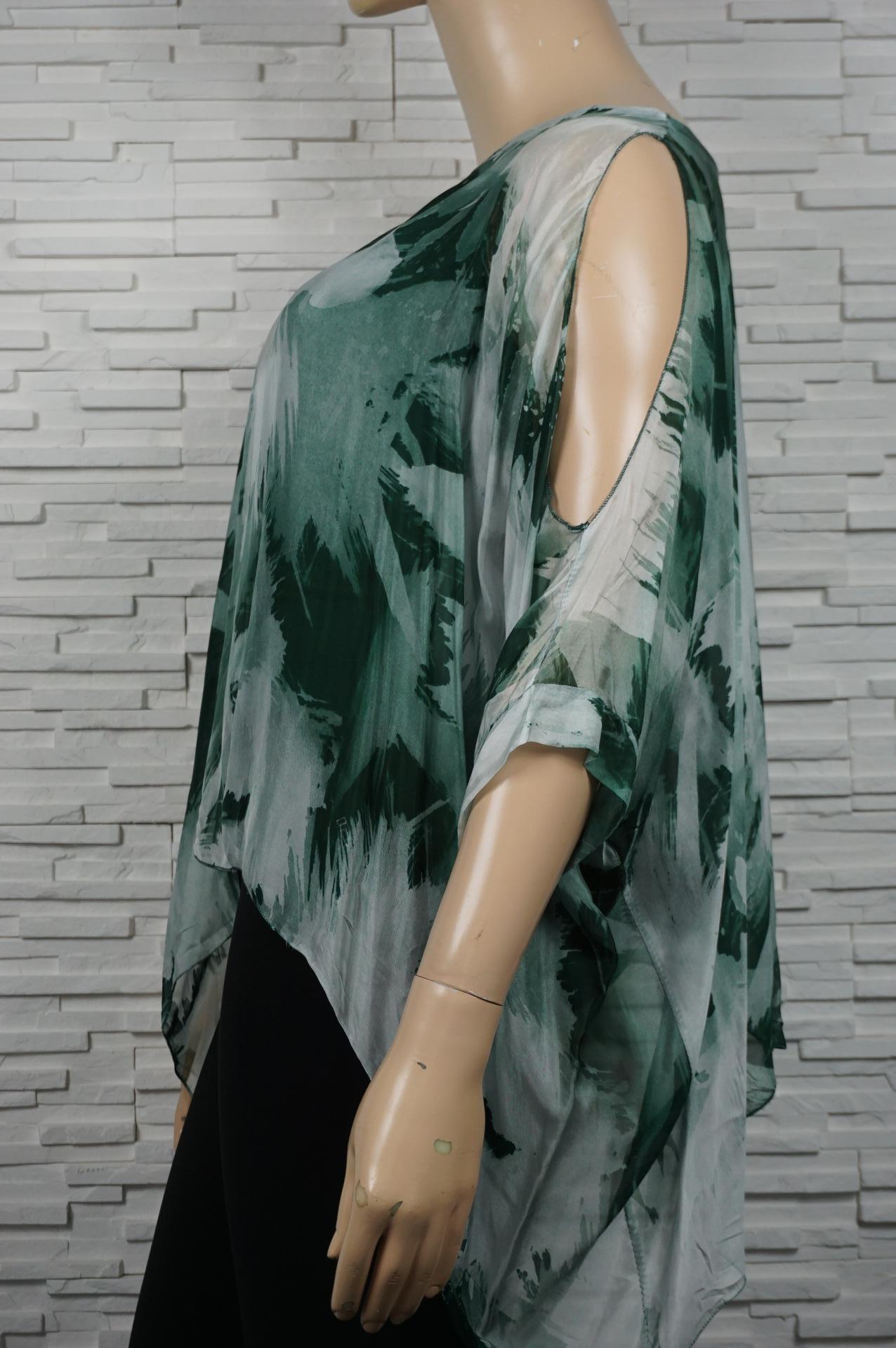 Tunique en soie Tie and  dye épaules dénudées.