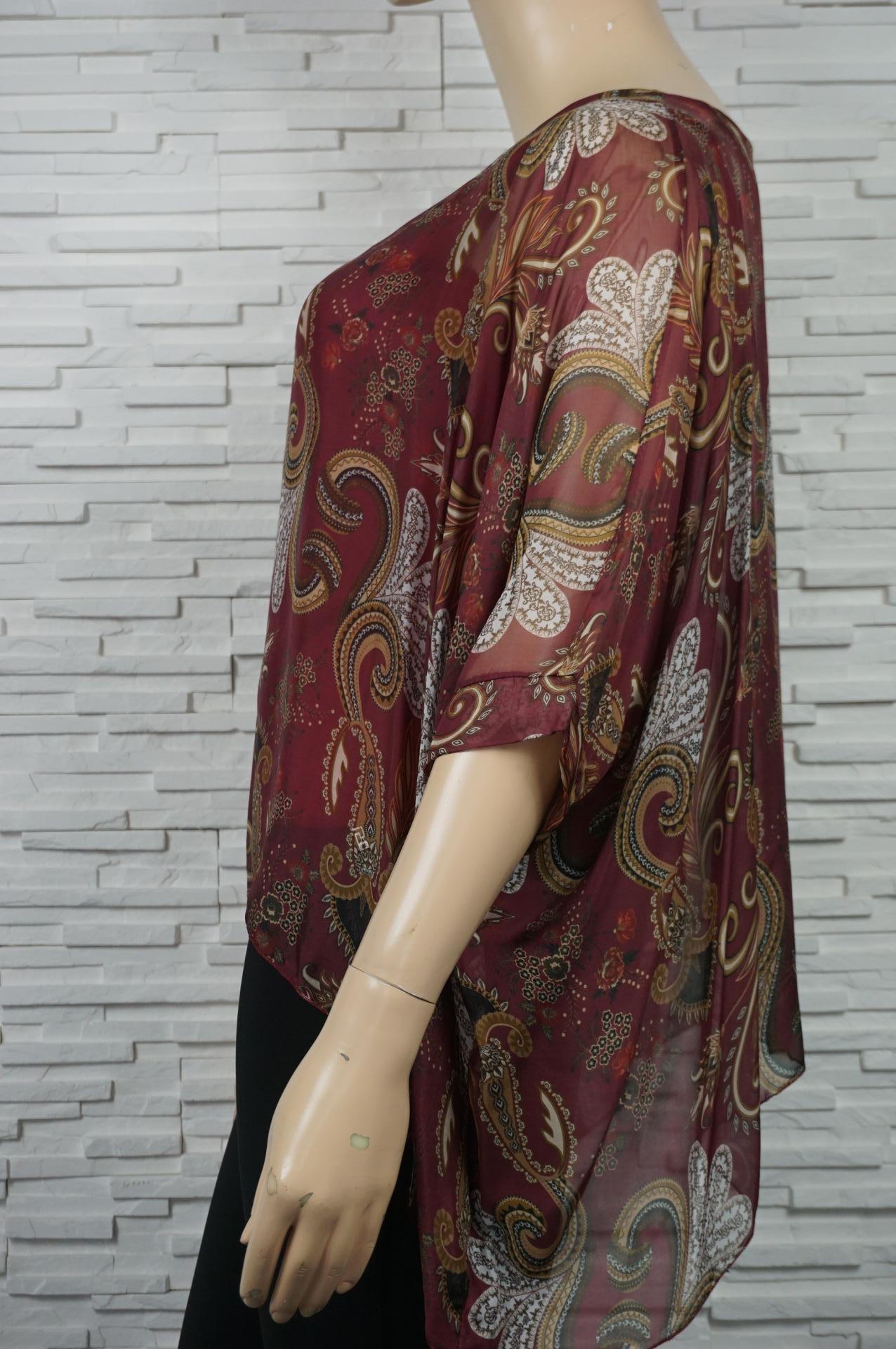 Tunique en soie imprimé cachemires.