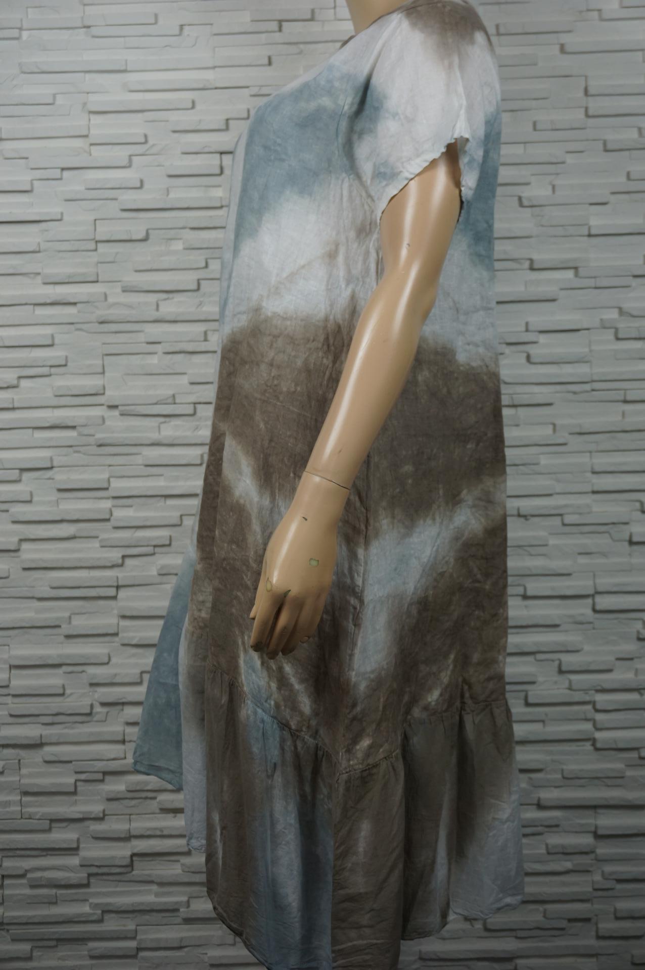 Robe longue lin tie and dye à volants asymétrique.