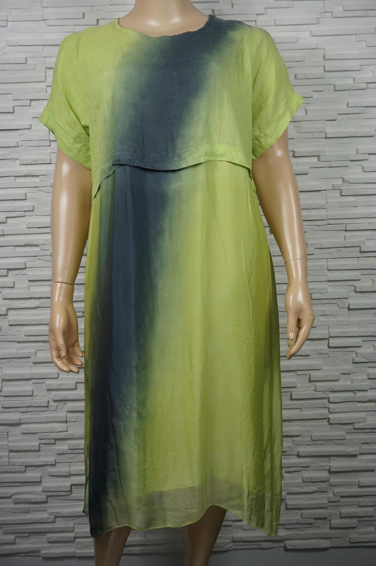 Robe longue soie/lin Tie and Dye épaules dénudées.