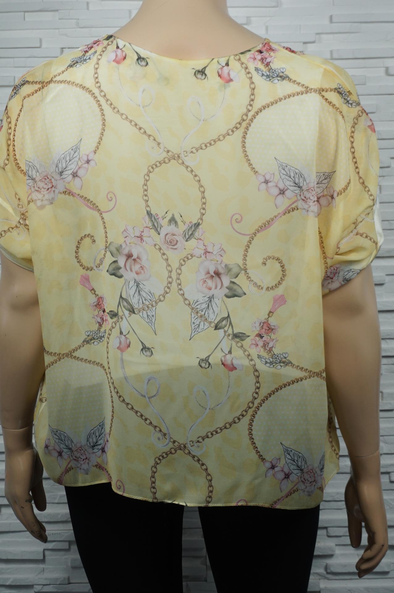 Tunique en voile chauve-souris imprimé foulard.