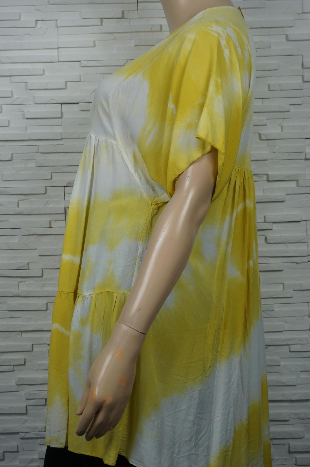 robe courte à volants, tye and dye.