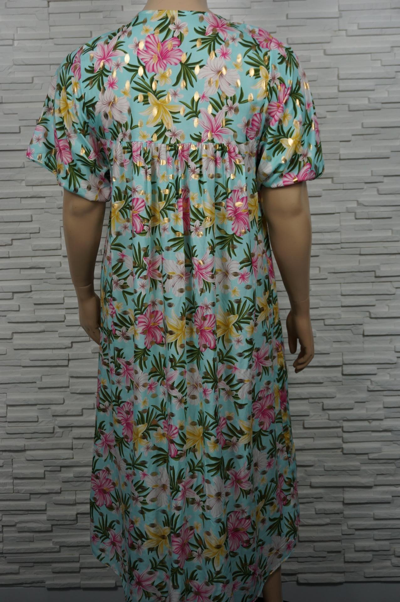 robe longue fleurie et dorée col v.