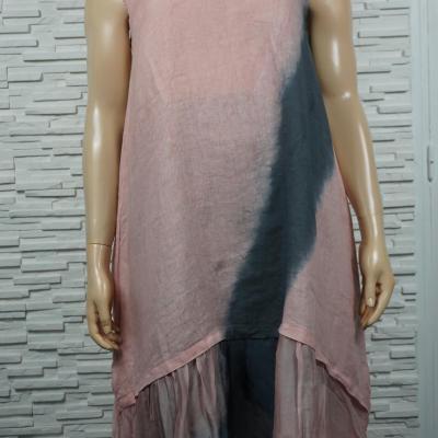 Robe longue lin à volants en soie, sans manches.