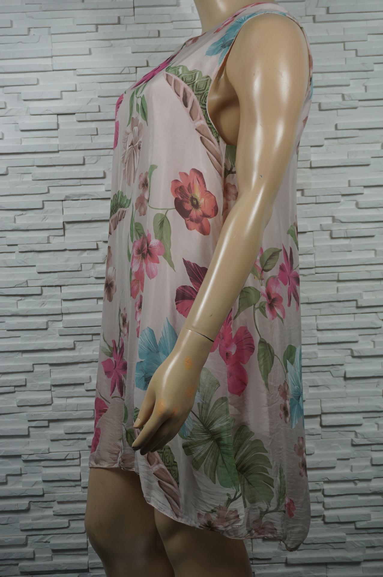 robe fleurie legère en soie.