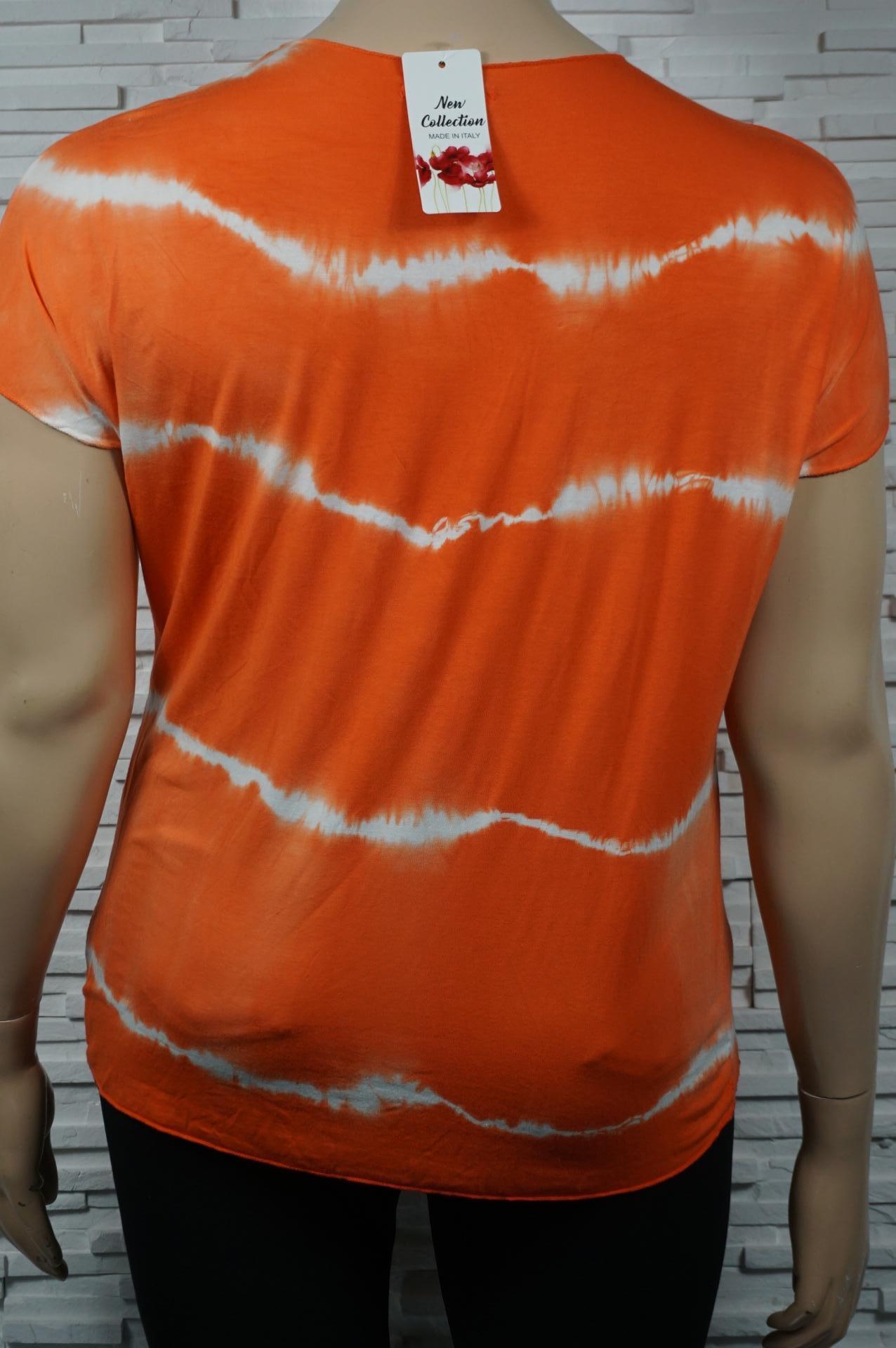 T-shirt imprimé dégradé. Col V.