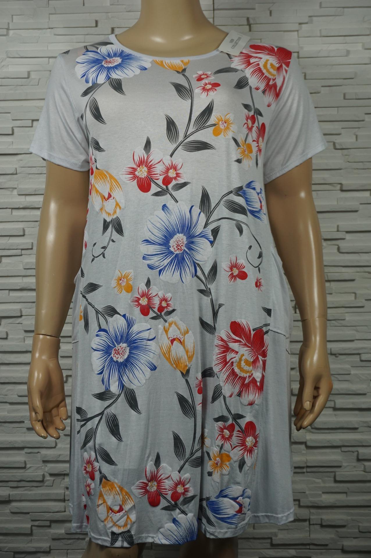 Robe longue fleurie avec poches.