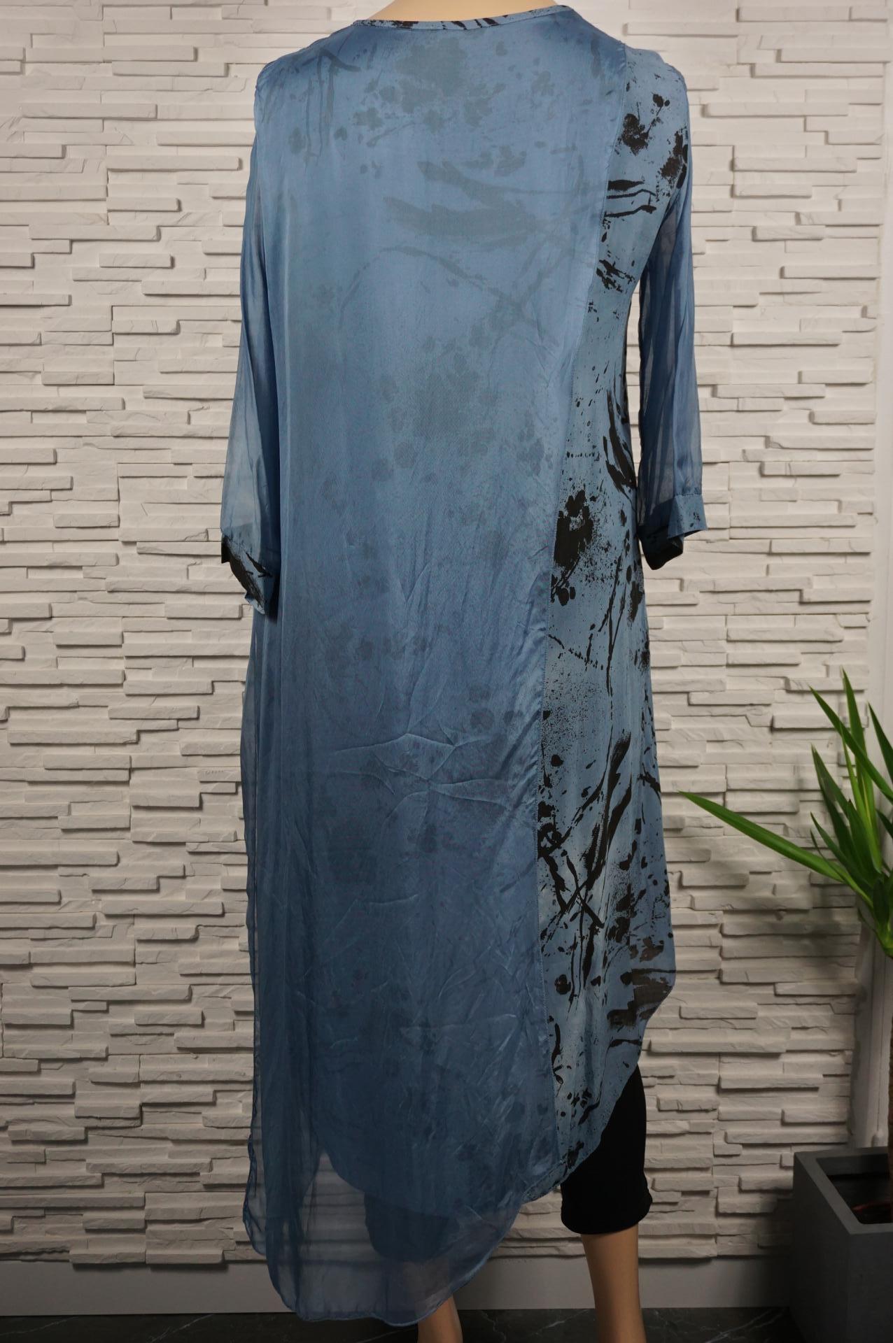 Robe longue drapée soie.