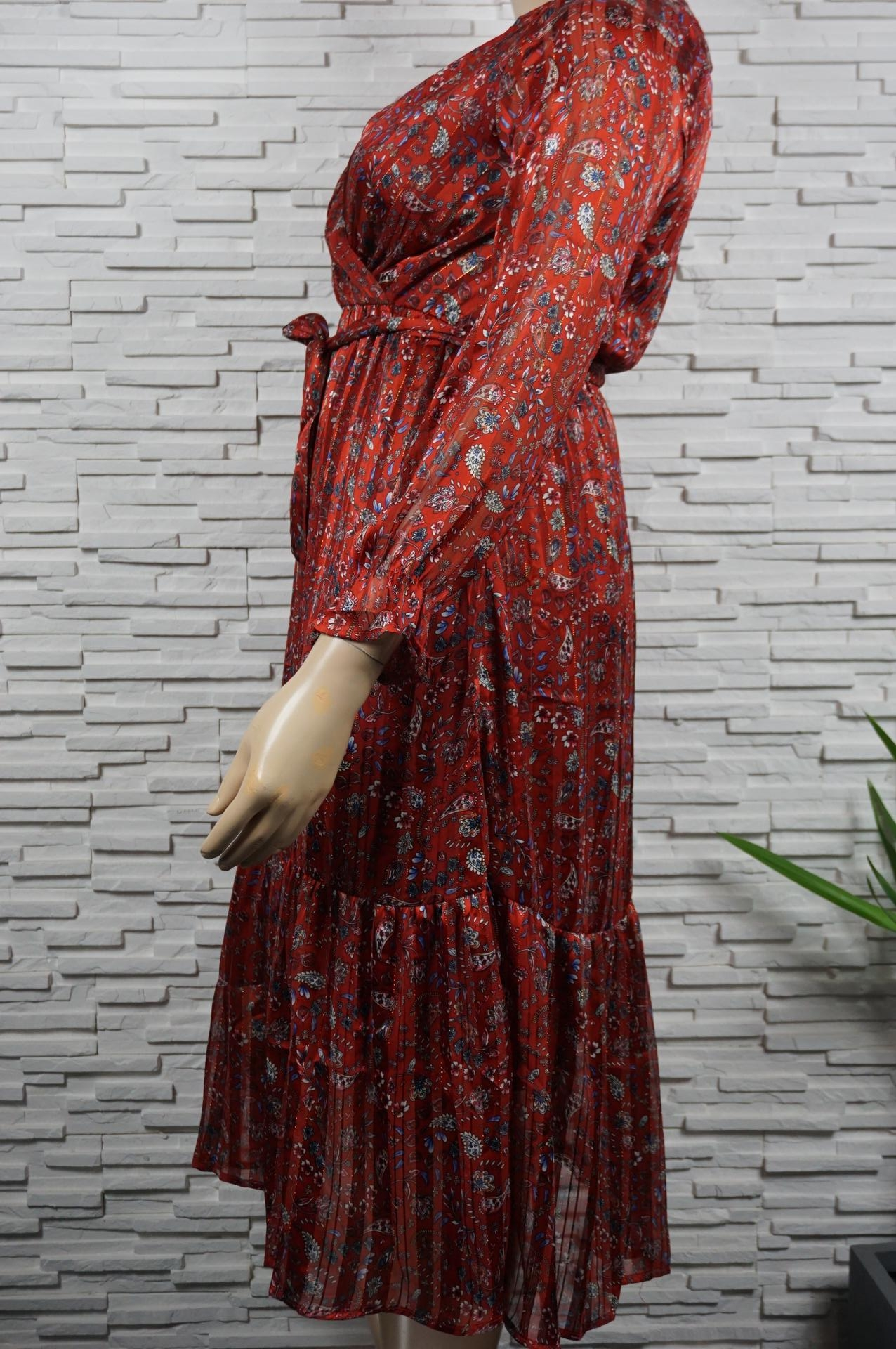 Robe longue fleurie or.