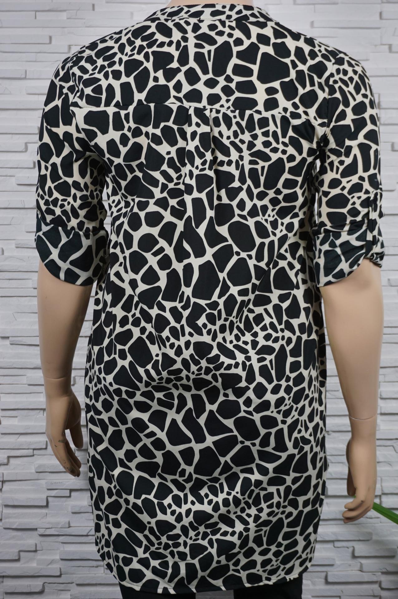 Robe, chemise longue imprimé et asymétrique.