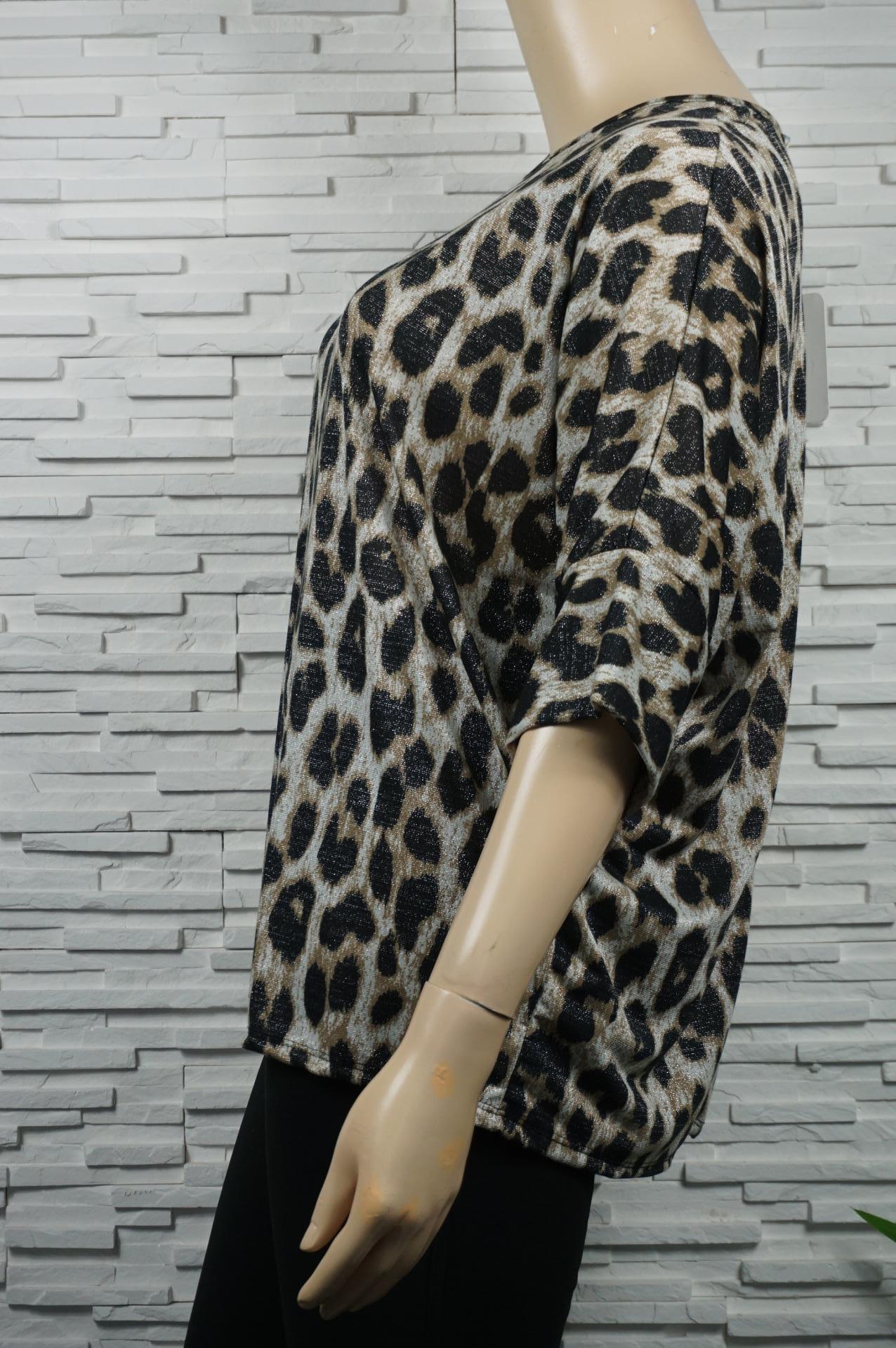 Tunique léopard métallisé.