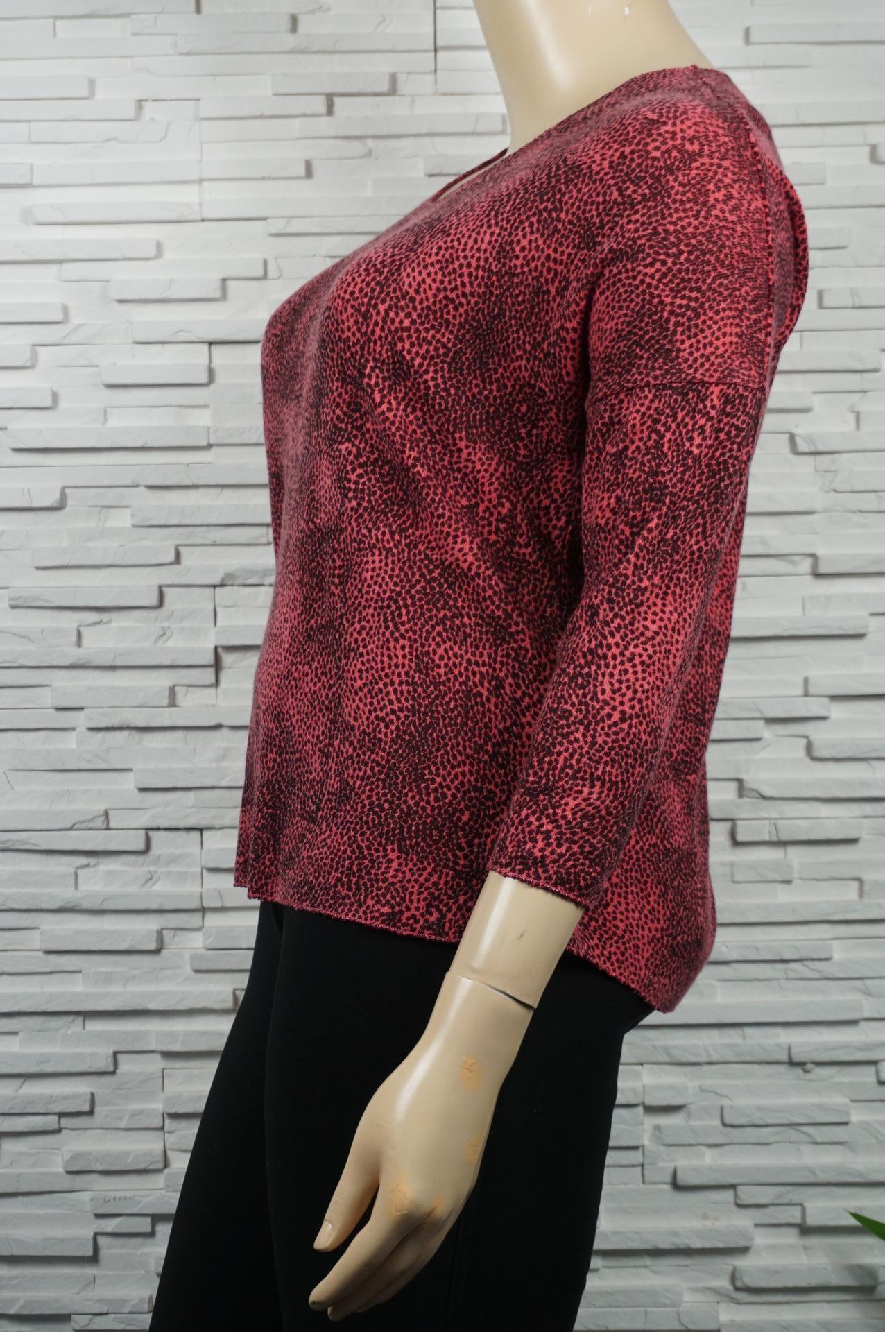 Pull léger laine léopard.