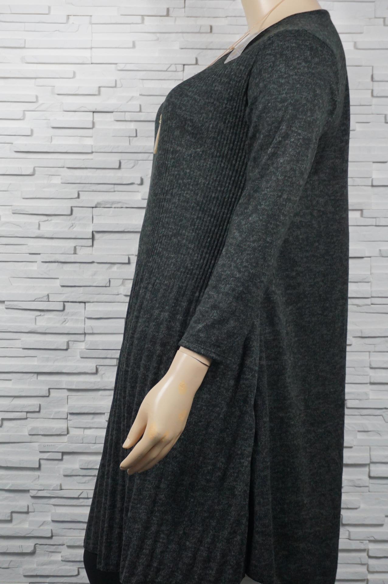 Robe plissée 3/4.