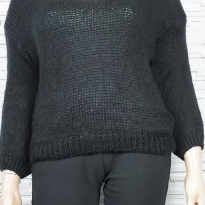 Pull  doux en laine mélangée et grosses mailles.