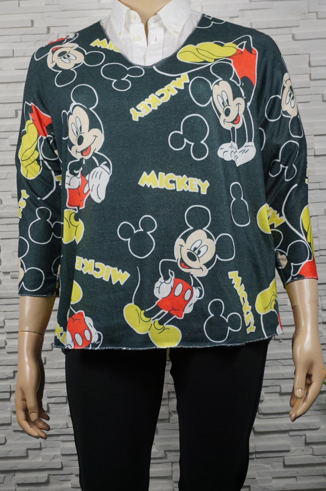 pull léger Mickey.