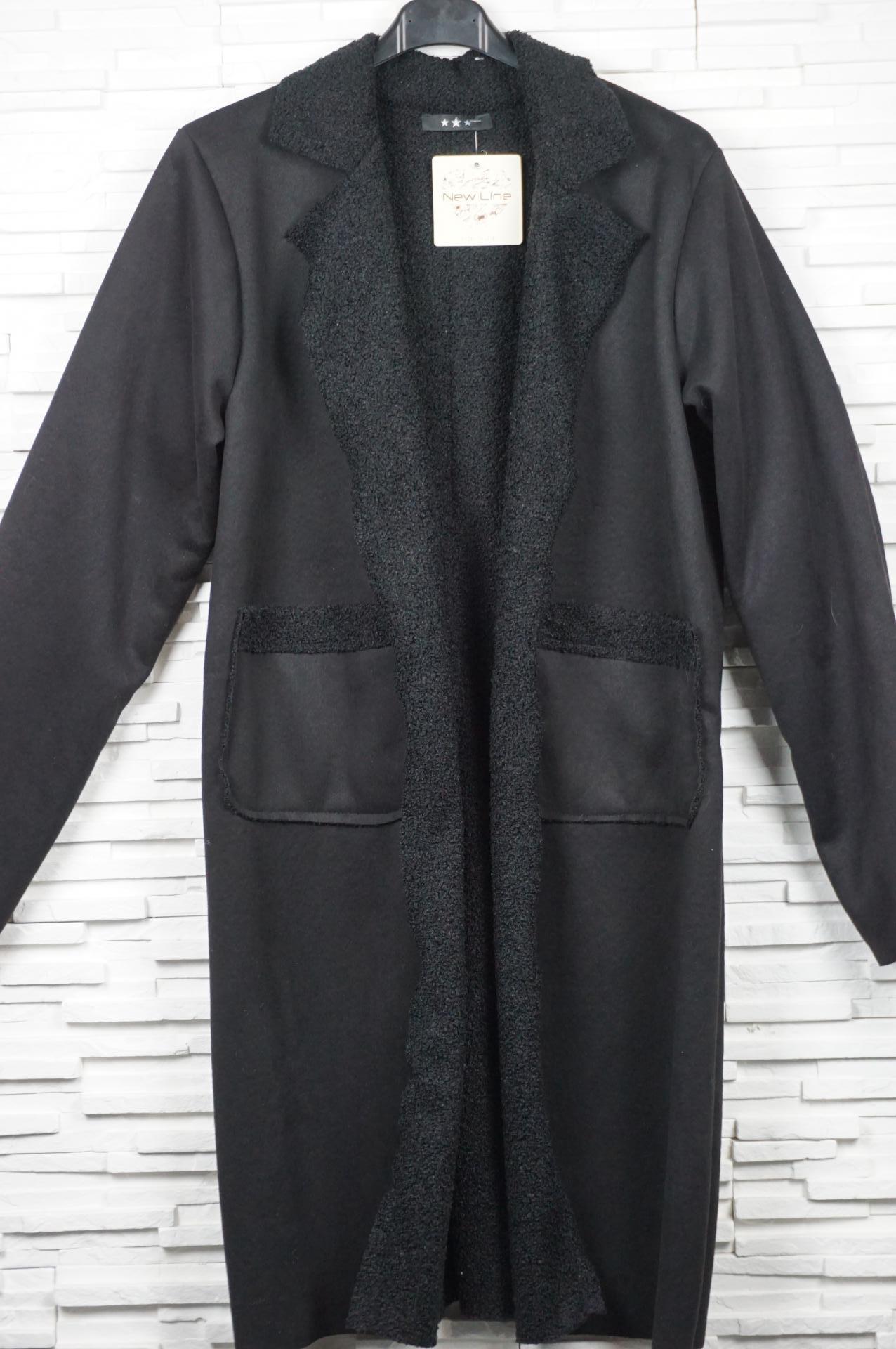 Veste en suédine doublé façon laine bouillie.