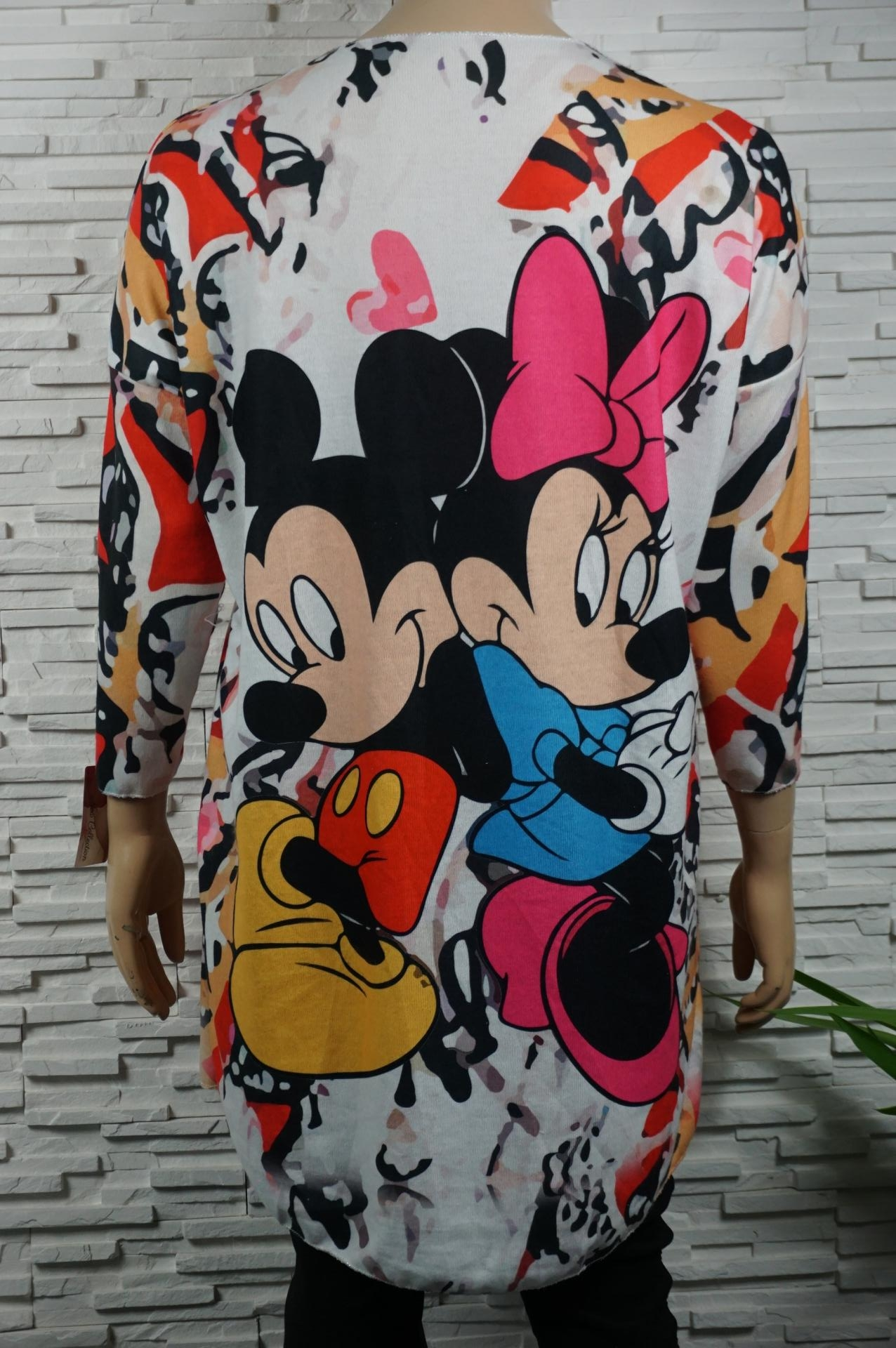 Pull long doux ou robe Mickey.