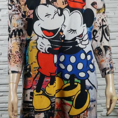 Pull long doux ou robe Mickey.