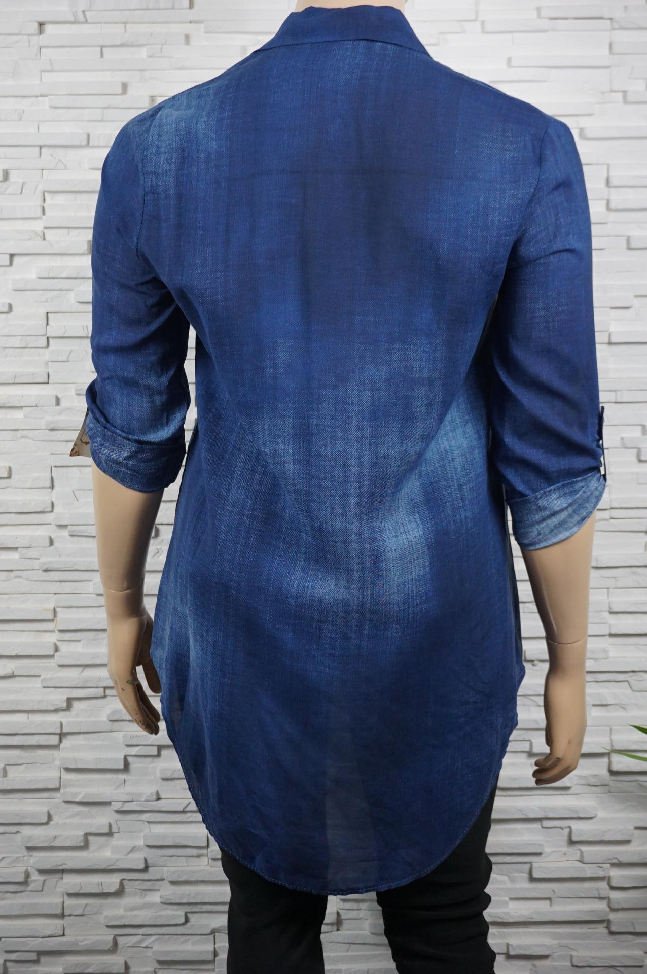 Chemise façon jean, longue,  tie and dye.