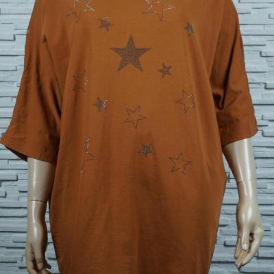 T-shirt long à étoiles en strass.