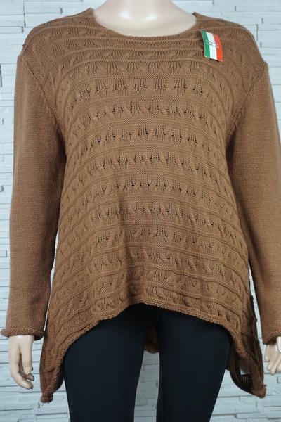 Pull tricote asymetrique rayures et torsade 309 3