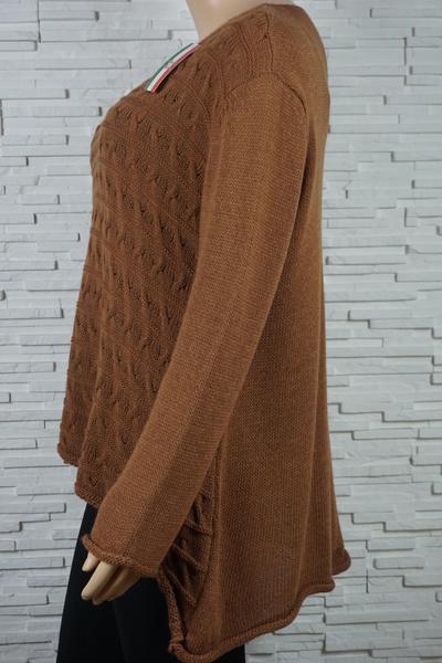 Pull tricote asymetrique rayures et torsade 309 4