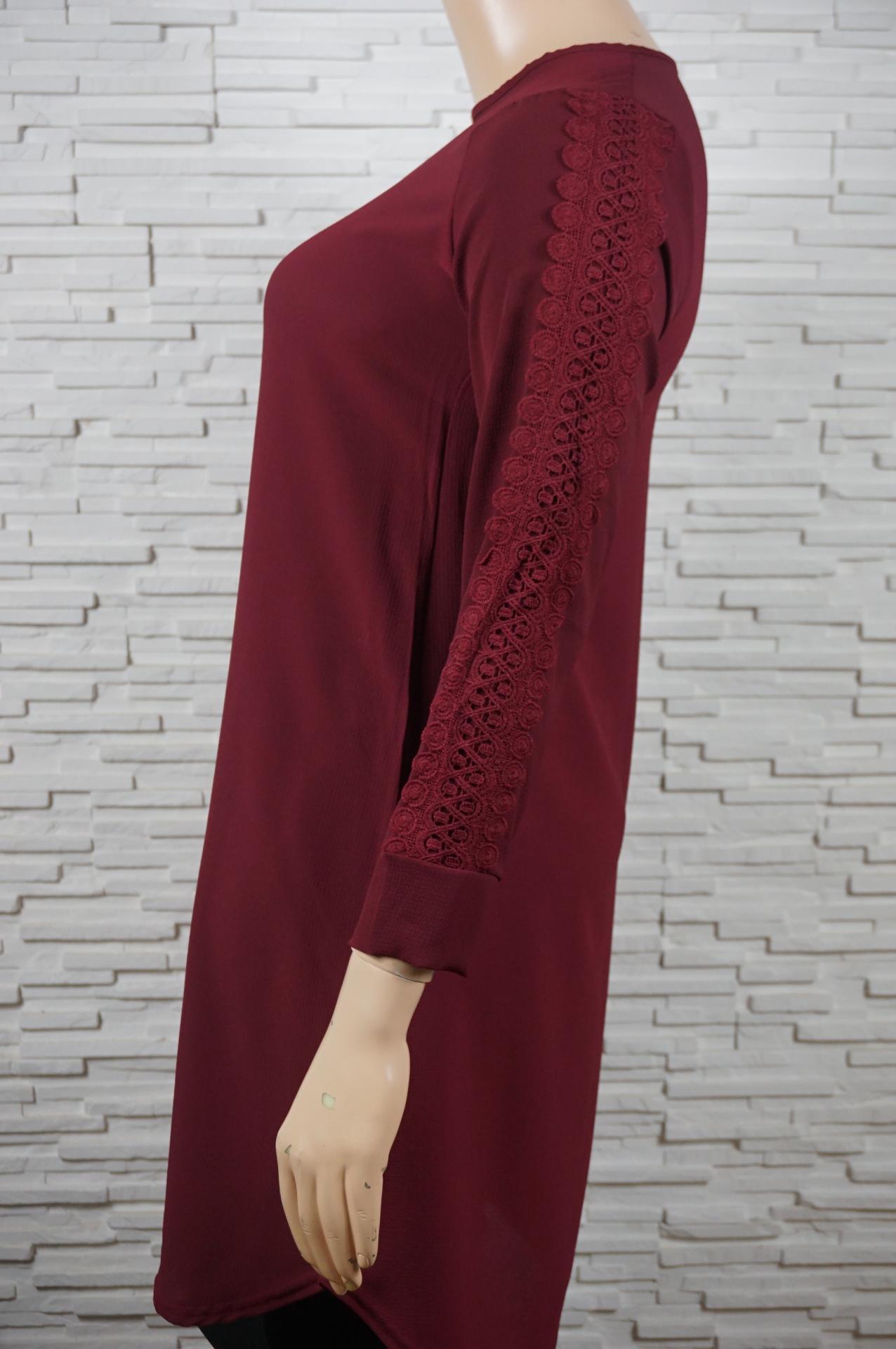 Robe tunique longue manches en dentelles2